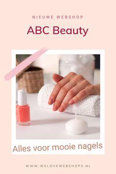 Je kan niet genoeg nagellakkleurtjes hebben. Bij ABC Beauty shop je de mooiste nagellakjes - in allerlei soorten; van gewoon tot gellak tot poly! Kijk je ogen uit en shop professionele nagelverzorging. #abcbeauty #beauty #beautywebshop #onlineshoppen #nagels Love Nails, Our Love, Nailart, Beauty, Beauty Illustration