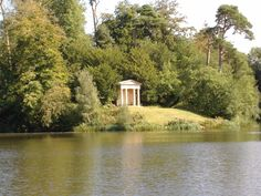 The Doric Temple.  Source: Bowood House & Gardens  Photographer: kev from Salisbury, England