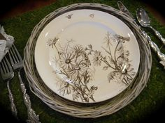 Nancy's Daily Dish: Bees and Daisies Aesthetic Movement Transferware Tablescape