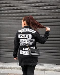ROXANE - Style : A fashion week streetstyle look featuring a black denim jacket with cool patches. Paris, New York, London, Milano - the perfect Fashion Tour! This look is obviously also featuring my Night&Day bag by De Marquet. Cool Patches, New Paris, Day Bag, Day For Night, Black Denim, Chloe, New York, Street Style, London
