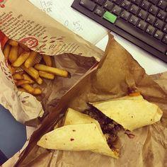 Cheeky Nando's for lunch!  @nandosuk #nandos #cheekynandos #lunch #citylunch #desklunch #fastfood #beeffillet #sofull #goingtopop