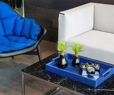 Meeting room, The Velopers, San Francisco, Panama - Bettis Tarazi #interiordesign #interiors #houseinteriors #office #comercial #panama #luxury #design #blue #detail #meetingroom #meeting #officeinteriors