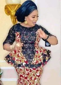 Ankara skirt and blouse style for wedding. Est ankara skirt and blouse styles Erian lace skirt and blouse styles Latest African Fashion Dresses, African Dresses For Women, African Print Fashion, African Attire, Latest Fashion Styles, Latest Lace Styles, Latest Ankara Dresses, African Prints, Fashion Trends