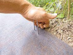 Vlies mit Befestigungshaken fixieren Front Garden Ideas Driveway, Pergola, Bricolage, Home And Garden, Backyard Patio, Diy Deck, Outdoor Pergola