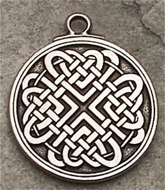 The Celtic Love Knot can enliven relationships, heighten passions and attract true love. Design contains 8 hearts bound by a Celtic circle. Celtic Symbols, Ancient Symbols, Love Symbols, Celtic Love Knot, Celtic Heart, Celtic Knots, Celtic Circle, Celtic Patterns, Celtic Designs