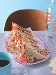 Sedvič je na zahnání malého hladu přímo ideální! Tacos, Mexican, Bread, Ethnic Recipes, Food, Brot, Essen, Baking, Meals