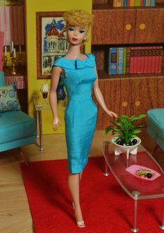 Vintage Mattel 1961 Blonde 5 Ponytail Barbie Doll 850 Turquoise Silk Sheath