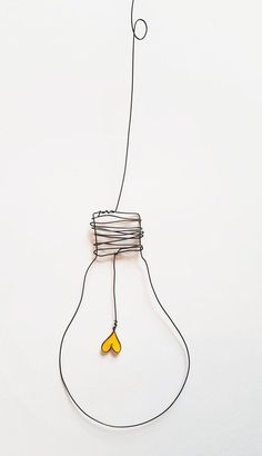 Handmade wire lamp with yellow heart, hanging, with the dimensions 11 x 8 cm pla . - Handmade wire lamp with yellow heart, hanging, with the dimensions 11 x 8 cm pla … – Selber mac -