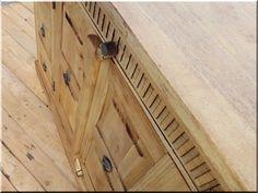 Felújított ázsiai szekrény - Antik bútor, egyedi natúr fa és loft designbútor, kerti fa termékek, akácfa oszlop, akác rönk, deszka, palló