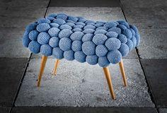 Banqueta bubble,bolas de crochê feitas à mão....  pedidos pelo contato@reginamisk.com