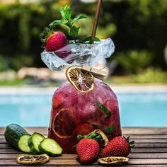 Plum & Rose Sangria in a Bag! This is the perfect way to take sangria on the go for a picnic or patio rendezvous. This recipe has Trade Street Jam Co.'s yummy Plum & Rose Jam, crisp white wine and tons of fresh summer fruit. Enjoy this alone or share with a friend. Cocktail Garnish, Cocktail Menu, Cocktail Recipes, Lychee Cocktail, Drink Recipes, Mojito, Rose Sangria, Skinny Margarita, Café Bar