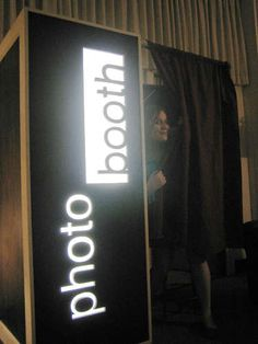 Instructions for your own photobooth! I've seen these at weddings and parties lately. What a good idea to make your own!