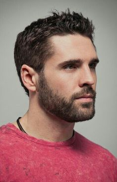 Do not just grow a short beard, rather use it to enhance your personality and manly look. Here are 70 most popular and trendy short beard styles you can try. Beards And Mustaches, Moustaches, Trimmed Beard Styles, Beard Styles For Men, Hair And Beard Styles, Men Facial Hair Styles, Goatee Beard, Beard Fade, Men Beard