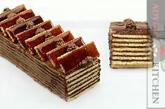 Sweet crackers and milk cream dessert Hungarian Desserts, Romanian Desserts, Romanian Food, Hungarian Food, Food Cakes, Cupcake Cakes, Sweet Tarts, Something Sweet, No Bake Desserts