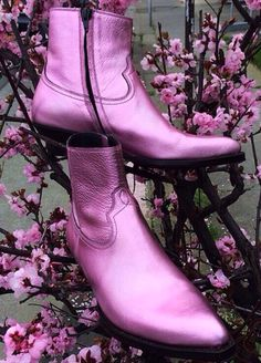 I Do Need It! Harry Styles' Saint Laurent Pink Metallic Boots — Lezburbia