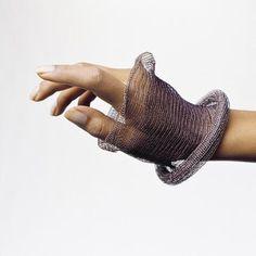knit metal by Lisbeth Dauv - Stylehive Wire Jewelry, Jewelry Art, Jewelery, Jewelry Accessories, Mesh Bracelet, Crochet Bracelet, Cuff Bracelets, Wire Crochet, Wire Wrapped Bracelet