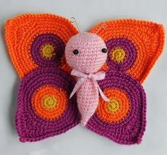 This cute Amigurumi Butterflies Free Crochet Pattern is a very vibrant and pretty decoration for your home! Make one now with the free pattern provided below. Unique Crochet, Love Crochet, Crochet Motif, Vintage Crochet, Knit Crochet, Crochet Patterns, Crochet Hats, Crochet Butterfly Pattern, Crochet Baby Cocoon
