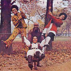 """redbullmusicacademy:  The Staple Singers, 1971.  """