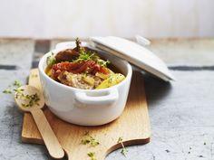 Geschmortes Lammfleisch ist ein Rezept mit frischen Zutaten aus der Kategorie Lamm. Probieren Sie dieses und weitere Rezepte von EAT SMARTER!