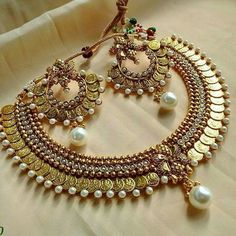Rosamaria G Frangini India Jewelry, Temple Jewellery, Ethnic Jewelry, Jewelry Sets, Gold Jewelry, Jewelery, Fine Jewelry, Women Jewelry, Unique Jewelry