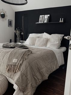 Modern rooms: 60 ideas to decorate a room in this style - Home Fashion Trend Living Room Red, Living Room Interior, Interior Paint, Interior Design, Room Ideas Bedroom, Home Decor Bedroom, Master Bedroom Ideas On A Budget, Shabby Bedroom, Bedroom Rustic