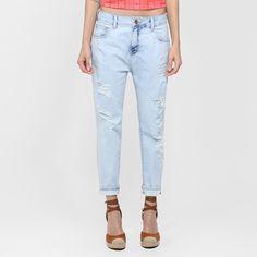 Compre Calça Coca-Cola Boyfriend Cropped Rasgada Jeans na Zattini a nova loja de moda online da Netshoes. Encontre Sapatos, Sandálias, Bolsas e Acessórios. Clique e Confira!