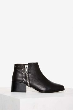 Sol Sana Louie II Leather Ankle Boot | Shop Shoes at Nasty Gal!