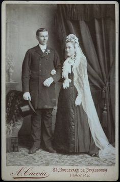 Old Wedding Dresses, Black Wedding Gowns, Wedding Attire, Vintage Wedding Photos, Vintage Weddings, Vintage Outfits, Vintage Fashion, Black Bride, Here Comes The Bride