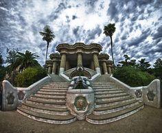 Parc Güell, Barcelona. Fuente: http://megustavolar.iberia.com/