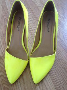 8.5 Neon Shoe dazzle pumps
