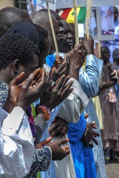 Africa African Hand Hands Hands Up Integration Islam Islamic Italy Italy❤️ Manifestation Men Muslim Muslims Pray Prayer Praying Senegal Solidarity Street Street Photography Streetphotography Streets StreetsWithPeople Walking
