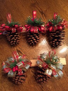 Easy DIY Christmas Ornaments That Look Store Bought - Twins .- Easy DIY Christmas Ornaments That Look Store Bought – Twins Dish Easy DIY Christmas Ornaments That Look Store Bought – Twins Dish - Christmas Decor Diy Cheap, Christmas Ornament Crafts, Christmas Projects, Simple Christmas, Holiday Crafts, Christmas Diy, Christmas Wreaths, Reindeer Christmas, Beautiful Christmas