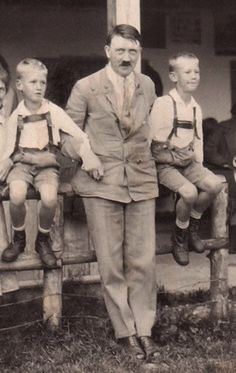 kl Very rare photo of Adolf Hitler taken in July, 1931 in the rear portion of the Hochlenzer restaurant on the Obersalzberg. He's standing with the nephews of early NSDAP member Gottfried Feder Rare Photos, Old Photos, Vintage Photos, Nazi Propaganda, Germany Ww2, A Little Life, War Photography, World War One, European History