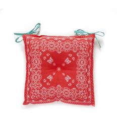 The Pioneer Woman Bandana Reversible Chairpad, Red. With the blue and white checked tablecloth