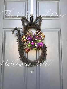 Halloween Wreath Black Cat Wreath Cat wreath Halloween cat wreath How cute are these black cats? Perfect for your front door or even hung inside to match Halloween decor! I love these for classrooms too. Made of grapevine and black berries it measures approximately 22 long x 13 wide. Berries may extend slightly past. Cats come with a whimsical bow in colors of lime green, purple, black and orange. Want something different or specific colors? No problem! Message me for options. ******* Order…