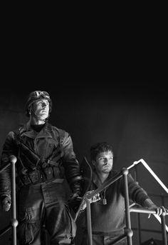 Chris Evans & Sebastian Stan - Captain America: The First Avenger Marvel Noir, Marvel Films, Loki Marvel, Marvel Funny, Captain America Aesthetic, Captain America And Bucky, Bucky Barnes, Avengers Winter Soldier, Marvel Wall Art