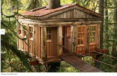 Treehouse Point is a Hotel in Issaquah. Plan your road trip to Treehouse Point in WA with Roadtrippers. Treehouse Masters, Treehouse Hotel, Treehouse Wedding, Treehouse Company, Fall City, Cool Tree Houses, In The Tree, Big Tree, Garden Cottage