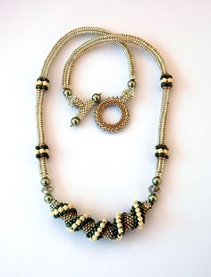 All sizes | Bead Twist Necklace in Silver and Green | Flickr - Photo Sharing!