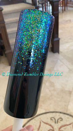 Diamond Tumblers Designs, LLC by DiamondTumblers Glitter Projects, Glitter Crafts, Resin Crafts, Glitter Cups, Green Glitter, Glitter Water Bottles, Glitter Balloons, Glitter Hair, Diy Tumblers