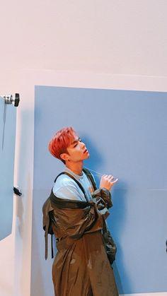 Ju-ne looks so damn cute with pink hair❤❤😻😻 Hanbin, Kim Jinhwan, Chanwoo Ikon, Bobby, Yg Entertainment, K Pop, Park Hyun Sik, Album Digital, Seoul