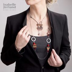 Collier Inukshuk en bois avec collier modifiable ! #PleinArt2017 #smaq2017 #metierdartquebec #bijouxenbois #joallerie #etsy
