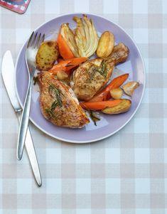 Si tu cuisines les morceaux découpés d'un poulet entier, tu dois absolument laisser la peau. Outre le fait qu'une marinade confère à la peau un goût délicieux, comme dans cette recette, elle protège également la viande du dessèchement. Valeur Nutritive, Homemade Gifts, Meat Recipes, Carne, Grilling, Prepping, Food And Drink, Turkey, Thanksgiving
