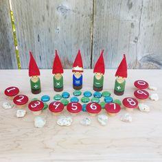 Matemáticas gnomos Set - Waldorf inspirado rojo de gnomos - conteo de gnomos - matemáticas juego - juego de números - matemáticas