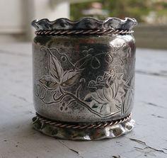 Antique Victorian Silverplate / Silver Plate Napkin Ring w/ Bright Cut Design