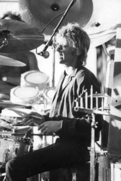 Roger Taylor in Queen Drummer, Drummer Boy, Rogers Drums, Taylor Rogers, Roger Taylor Queen, Queen Aesthetic, Ben Hardy, Elvis Presley Photos, Queen Freddie Mercury