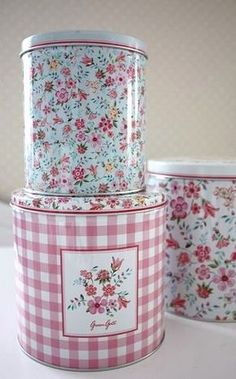 Love these little tins...so pretty