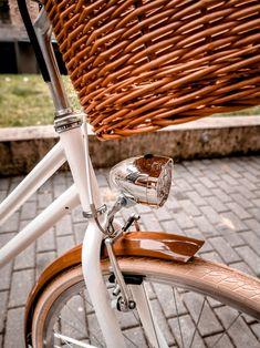 Nagyon szép és praktikus vintage ledes elemes kerékpár lámpa.Jó fénnyel rendelkezik. Bicycle, Classic, Vintage, Derby, Bike, Bicycle Kick, Bicycles, Classic Books, Vintage Comics