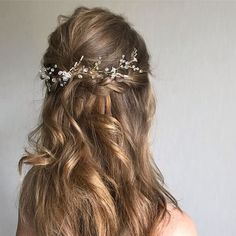 Bridal Hair Vine Crystal, Wedding Halo Headpiece, Bridal Hair Accessories, Long Gold Hair Piece With Small White Flowers - Quince hair/ makeup - braut haarschmuck Long Bridal Hair, Bridal Hair Vine, Wedding Hair And Makeup, Wedding Hairstyles And Makeup, Wedding Nails, Hair Makeup, Prom Hairstyles, Down Hairstyles, Shakira Hairstyles