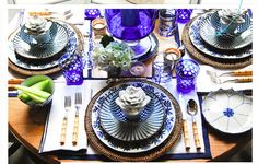 gorgeous setting from Bunny Williams...the queen of table top