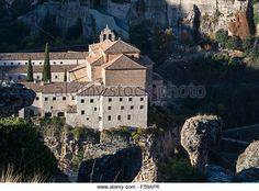 El Convento de San Pablo, hoy Parador, en el borde de la Hoz del Huécar en Cuenca, Castilla-La Mancha, - de regalías